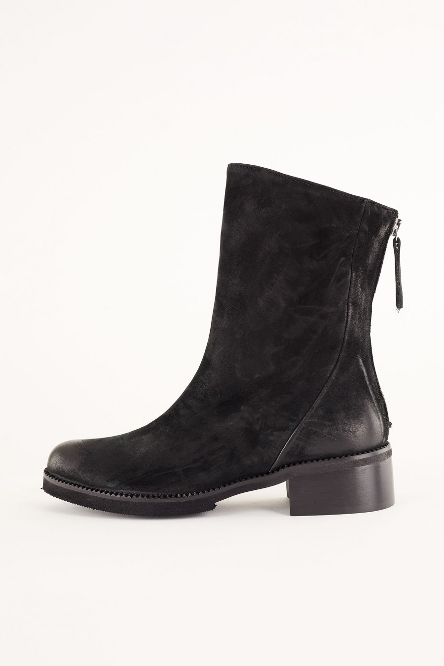 soft leather casual boots with zip