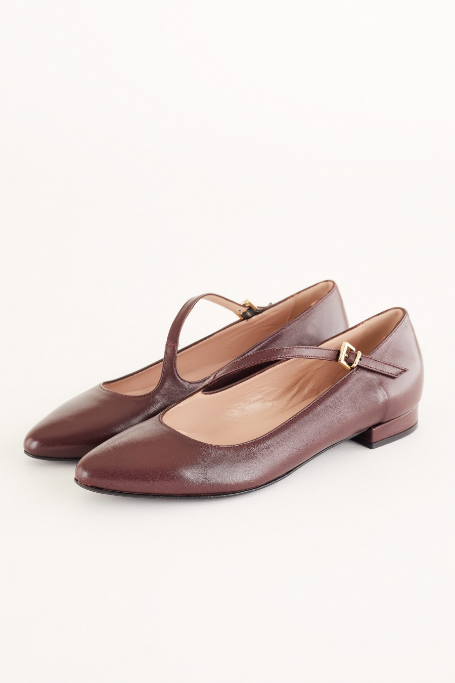 flats in wine nappa leather