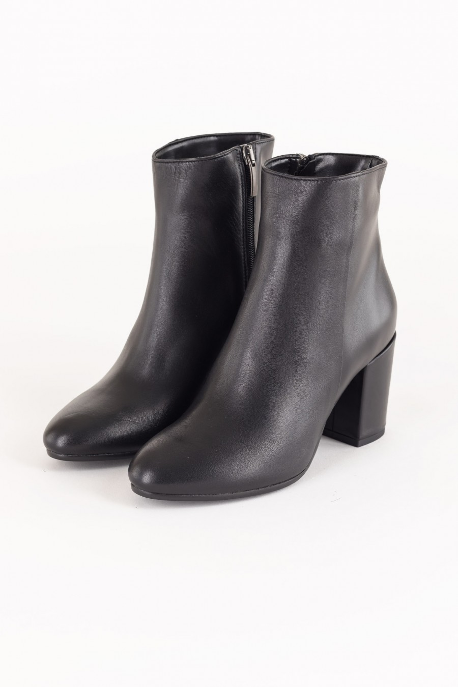 Black boots with mid heels