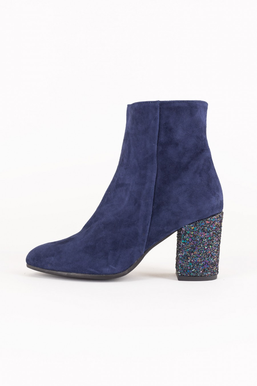 Blue boots with round toe
