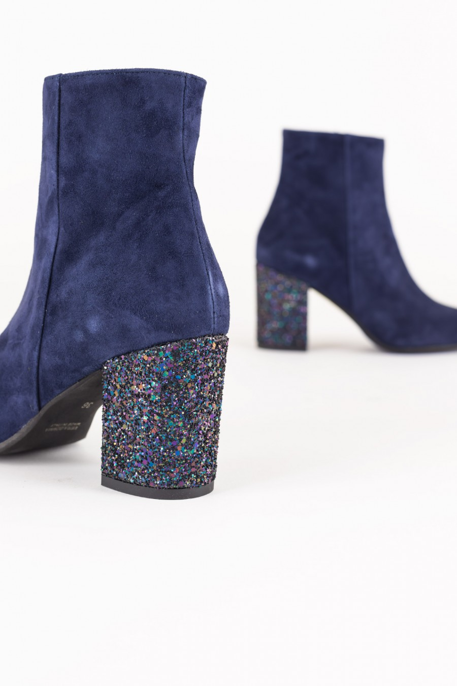 Boots with glitter details