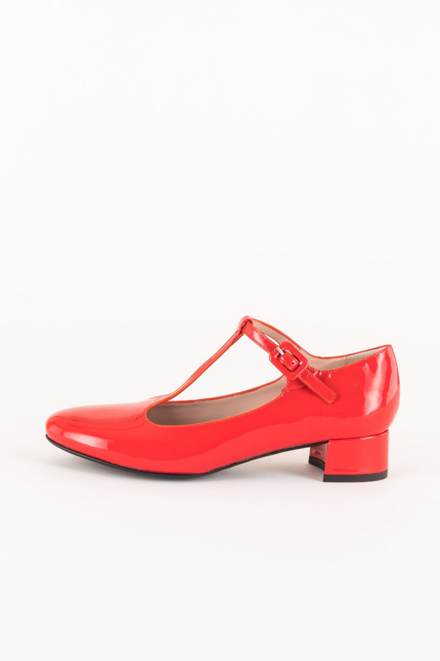 Red ballerinas with t strap