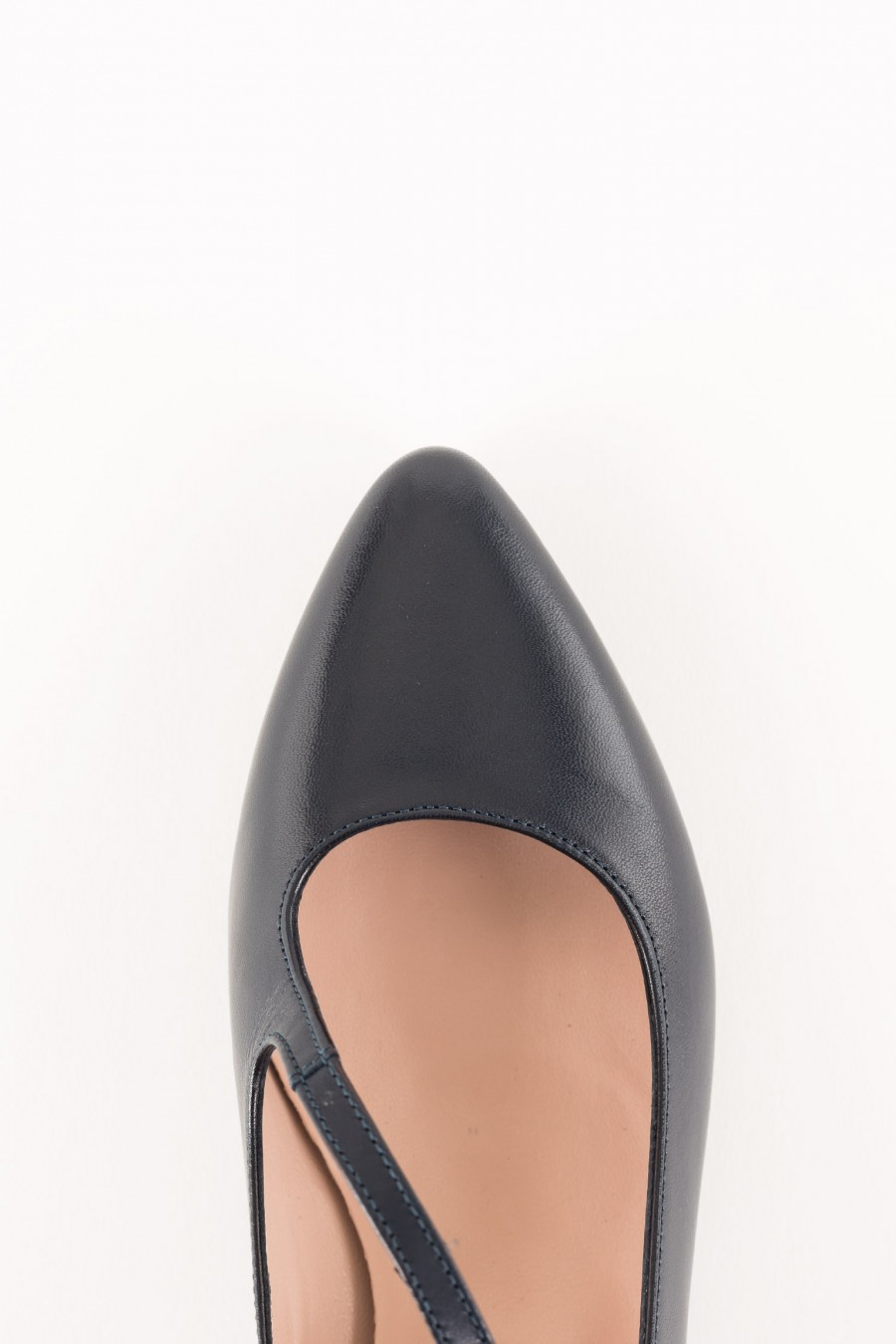 Black pointy ballerinas
