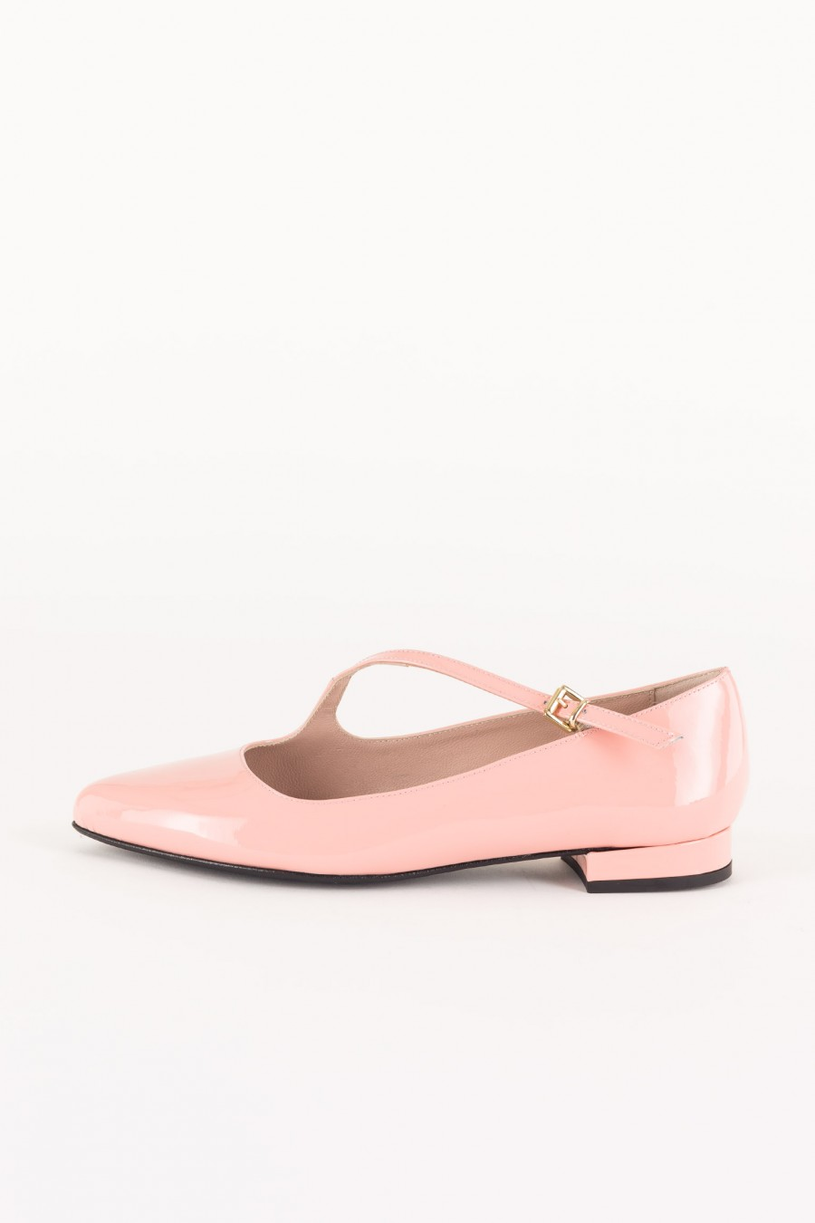Pink flats with bucle