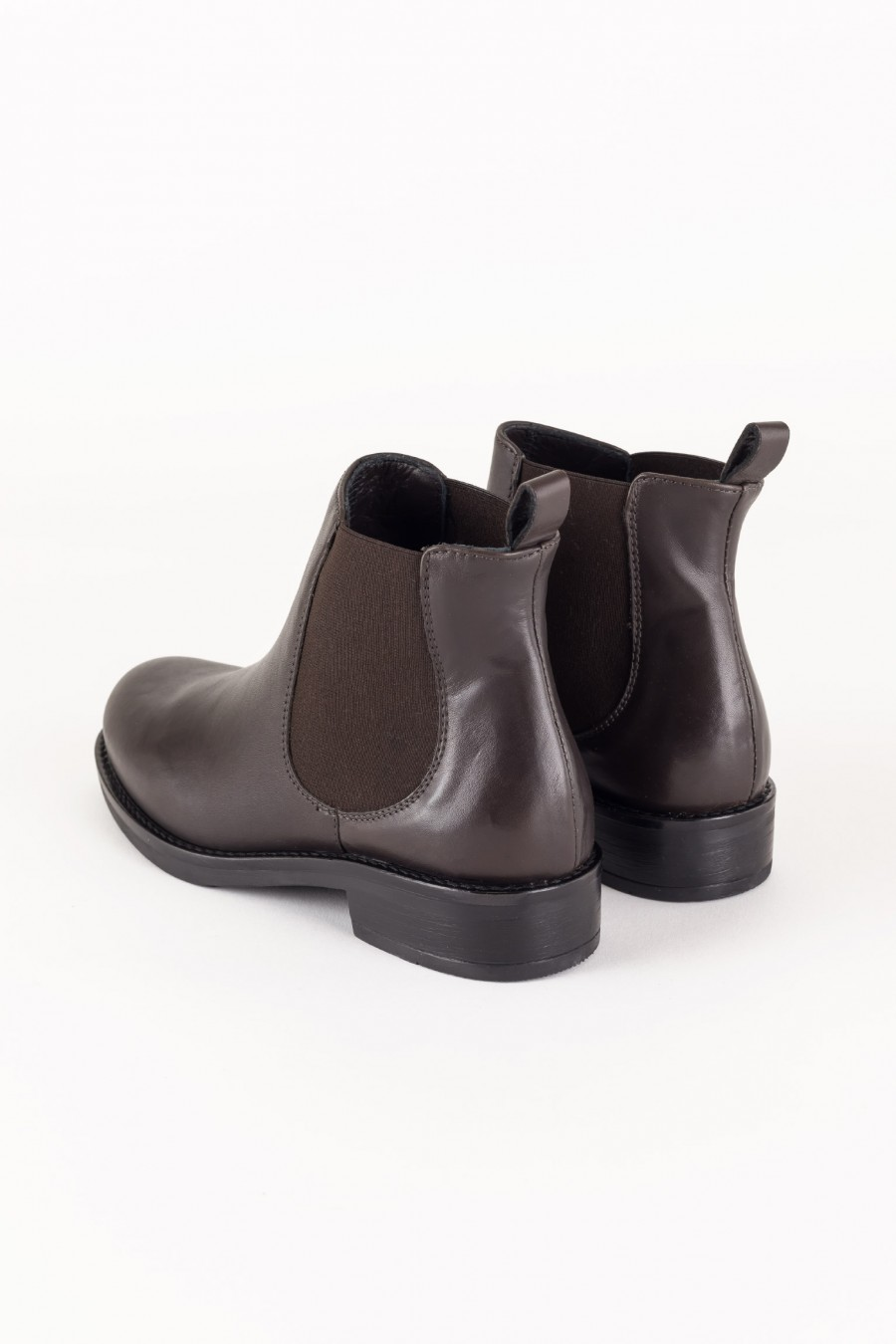 Casual brown boots