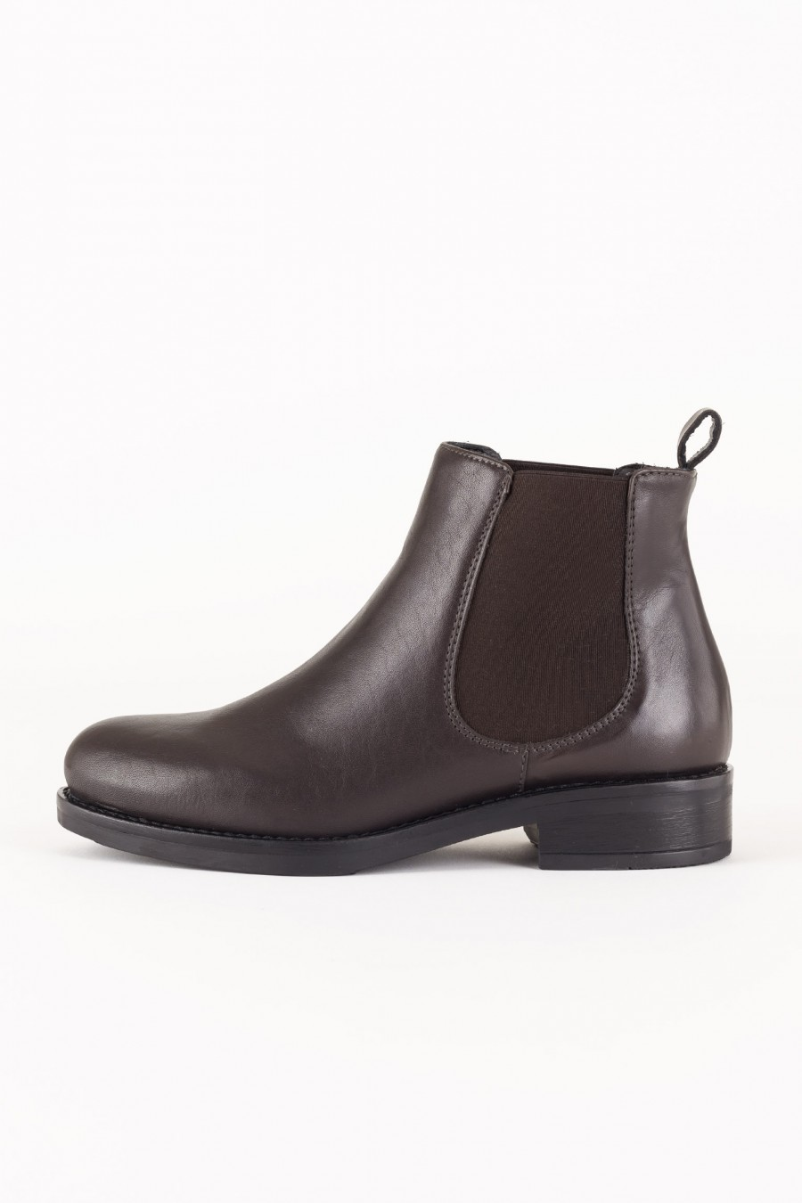 Short casual boots