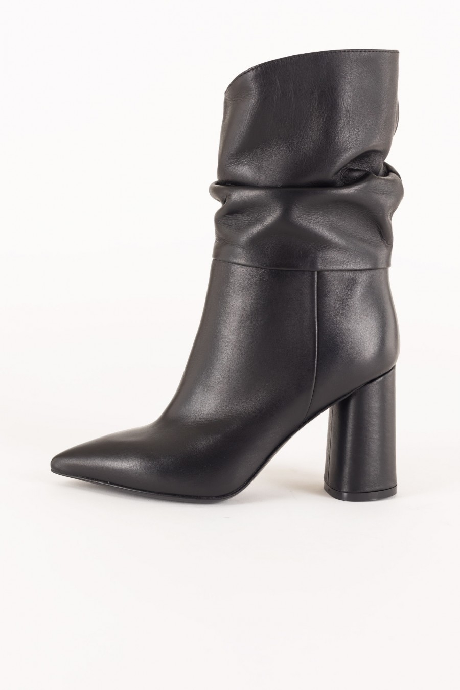 Slouch pointy boots