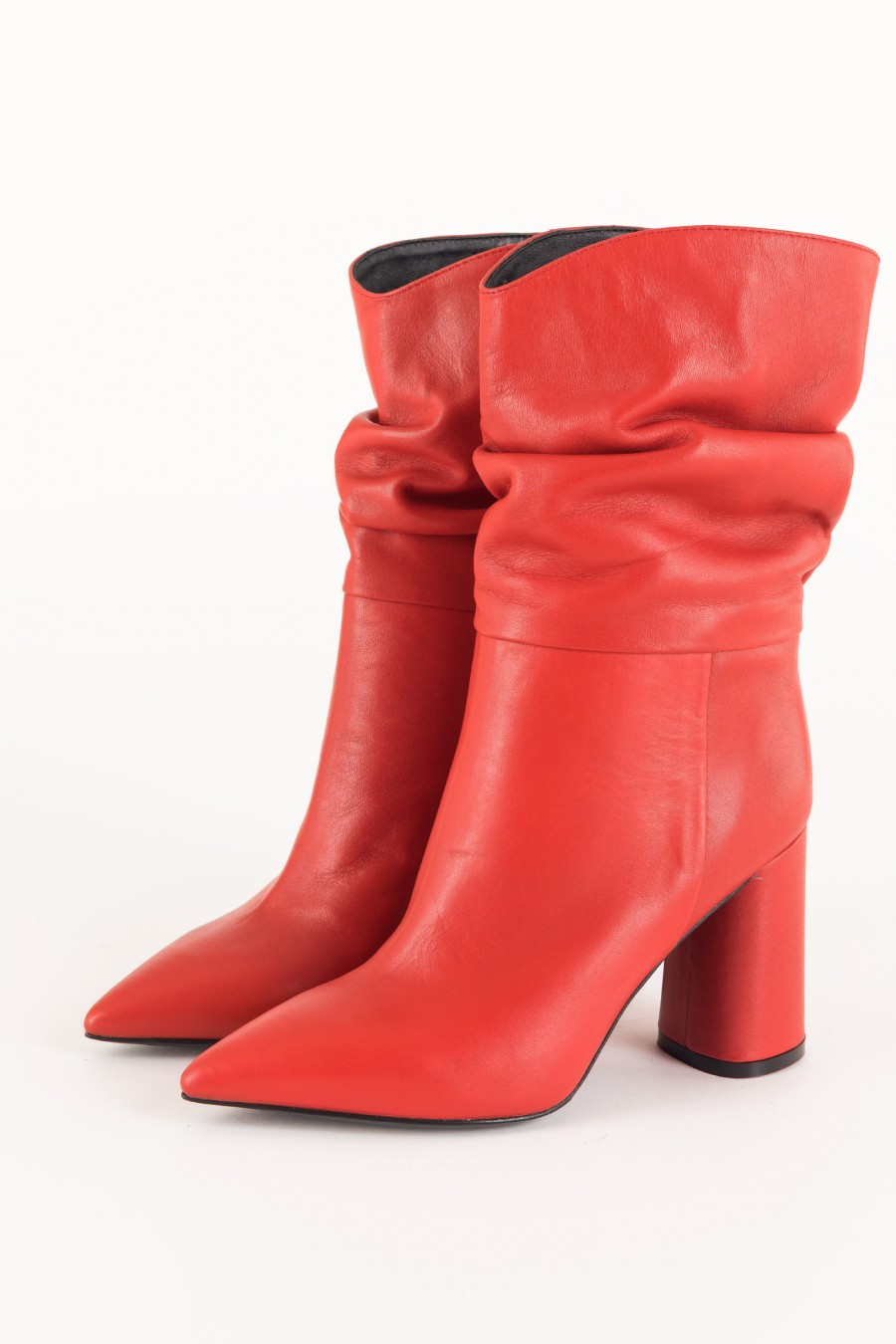 Slouch red boots
