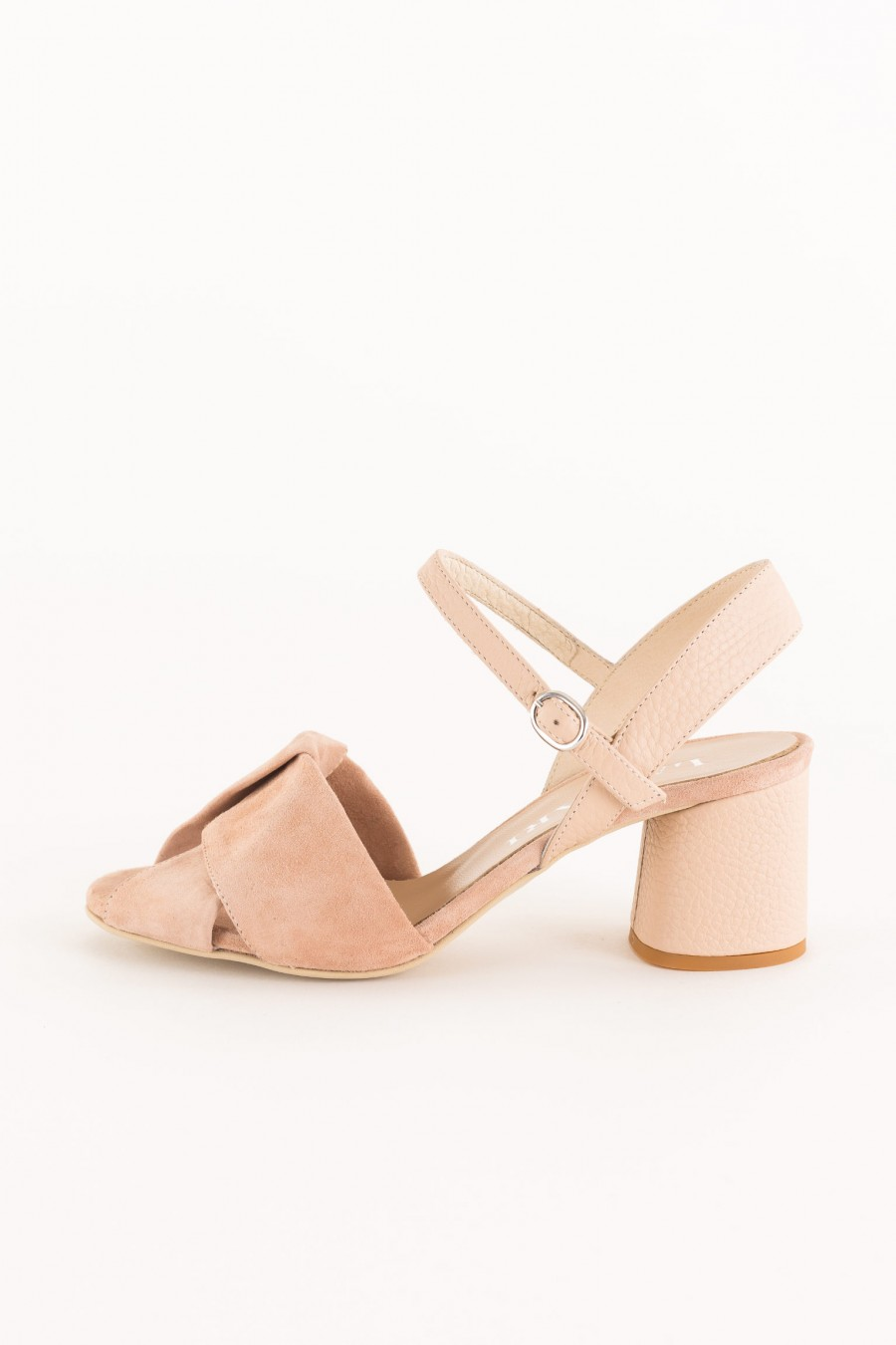 pink sandal in suede and tassel leather