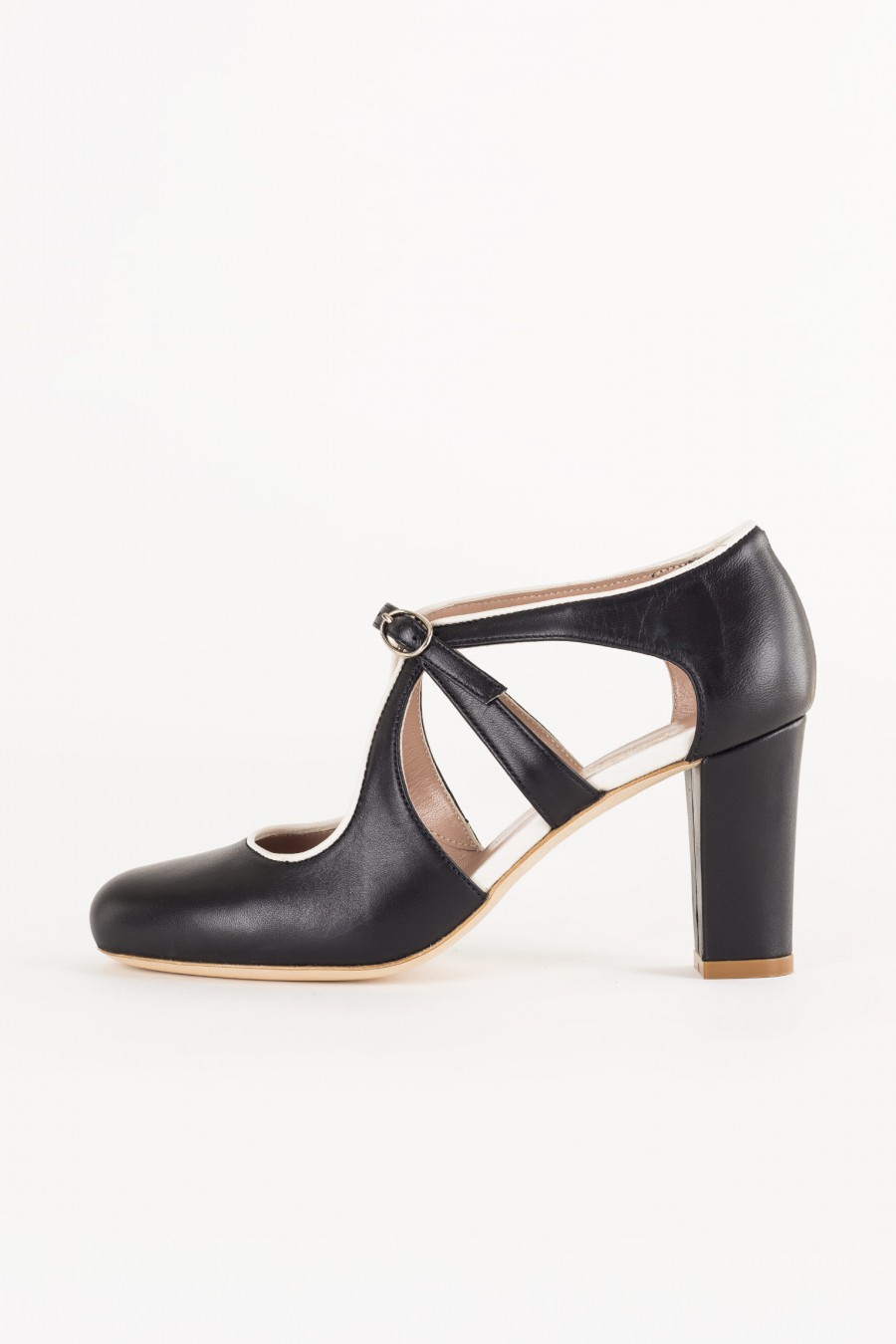 black shoe with heel