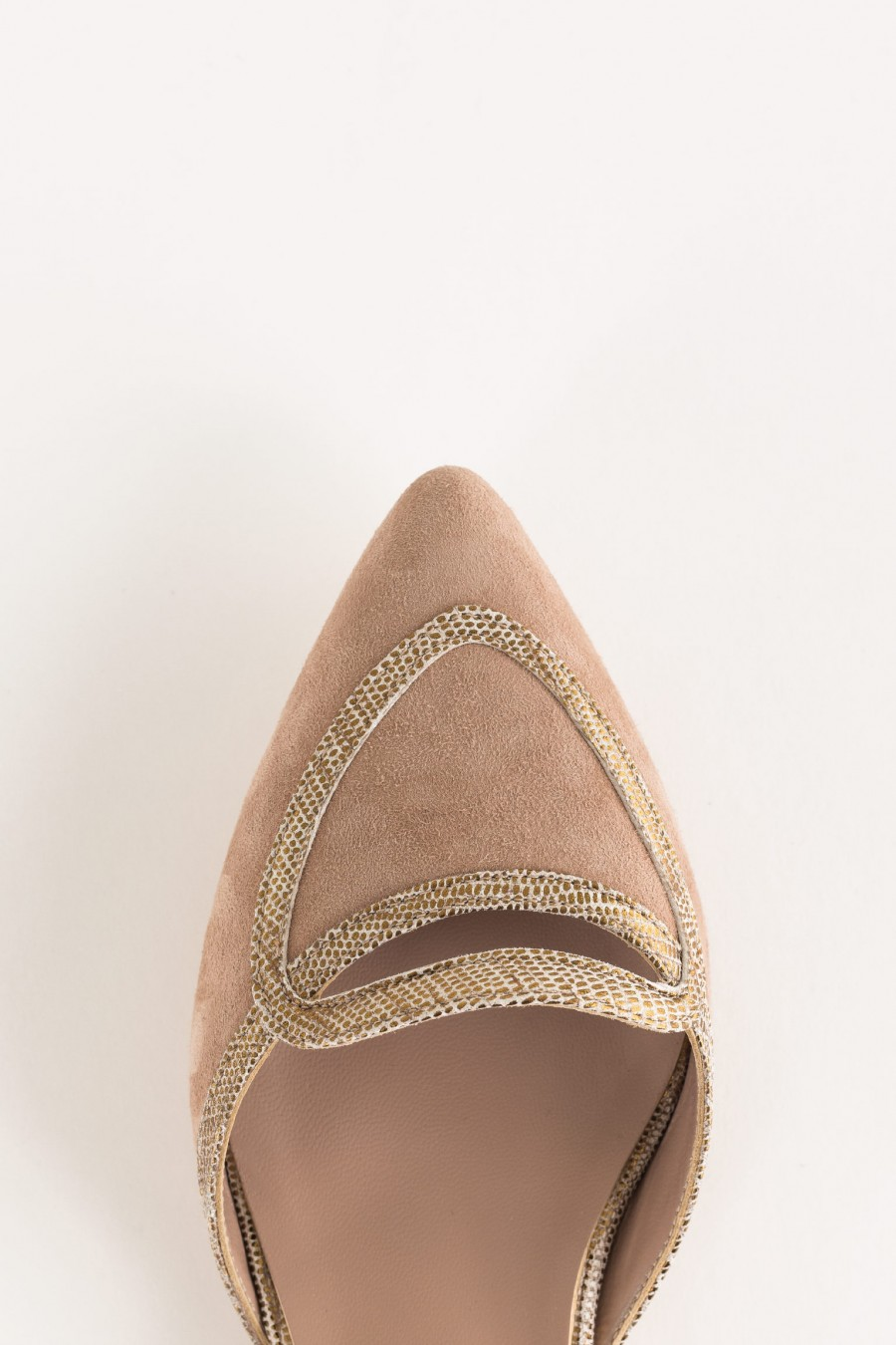 flat pointed sandal