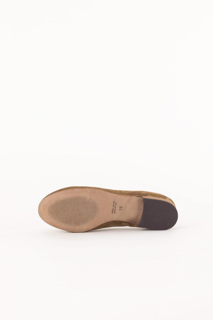 suede brown shoe closed