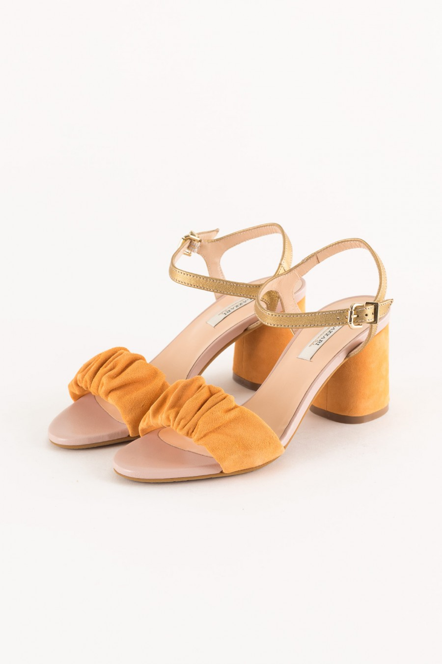 summer shoe with rounded heel