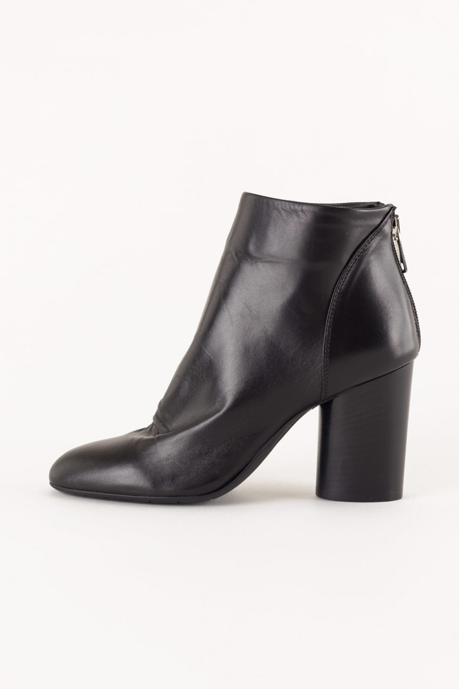 black boot with heel
