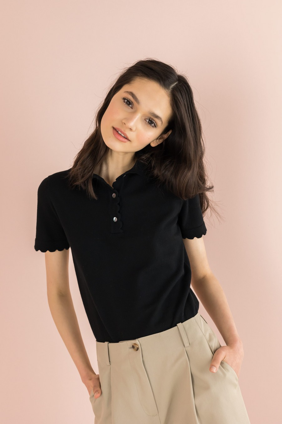 polo t-shirt with scalloped sleeves