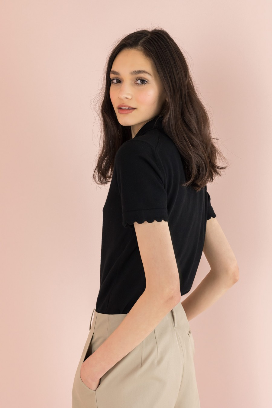 polo t-shirt with scalloped collar and sleeves