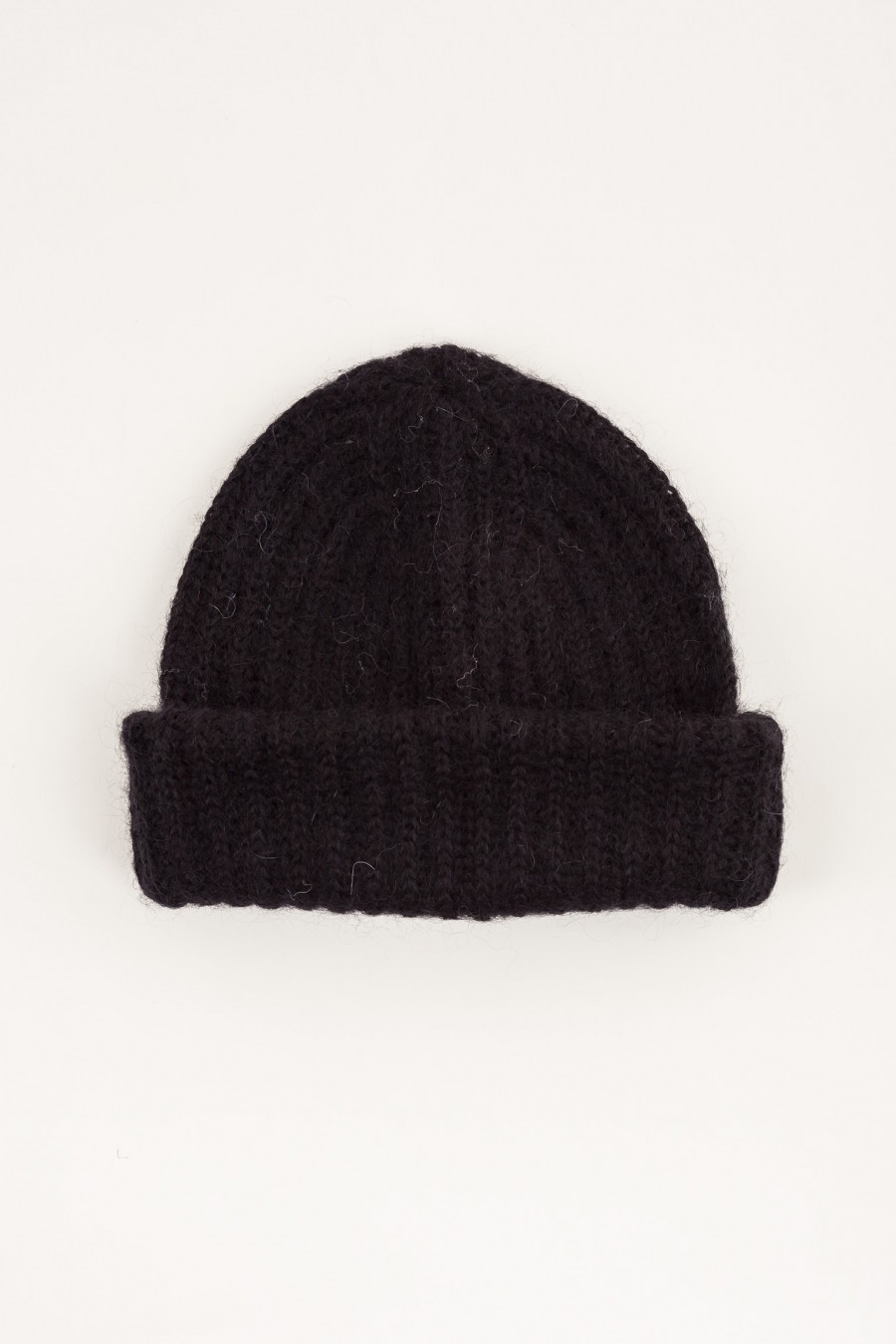 Hat with flap black