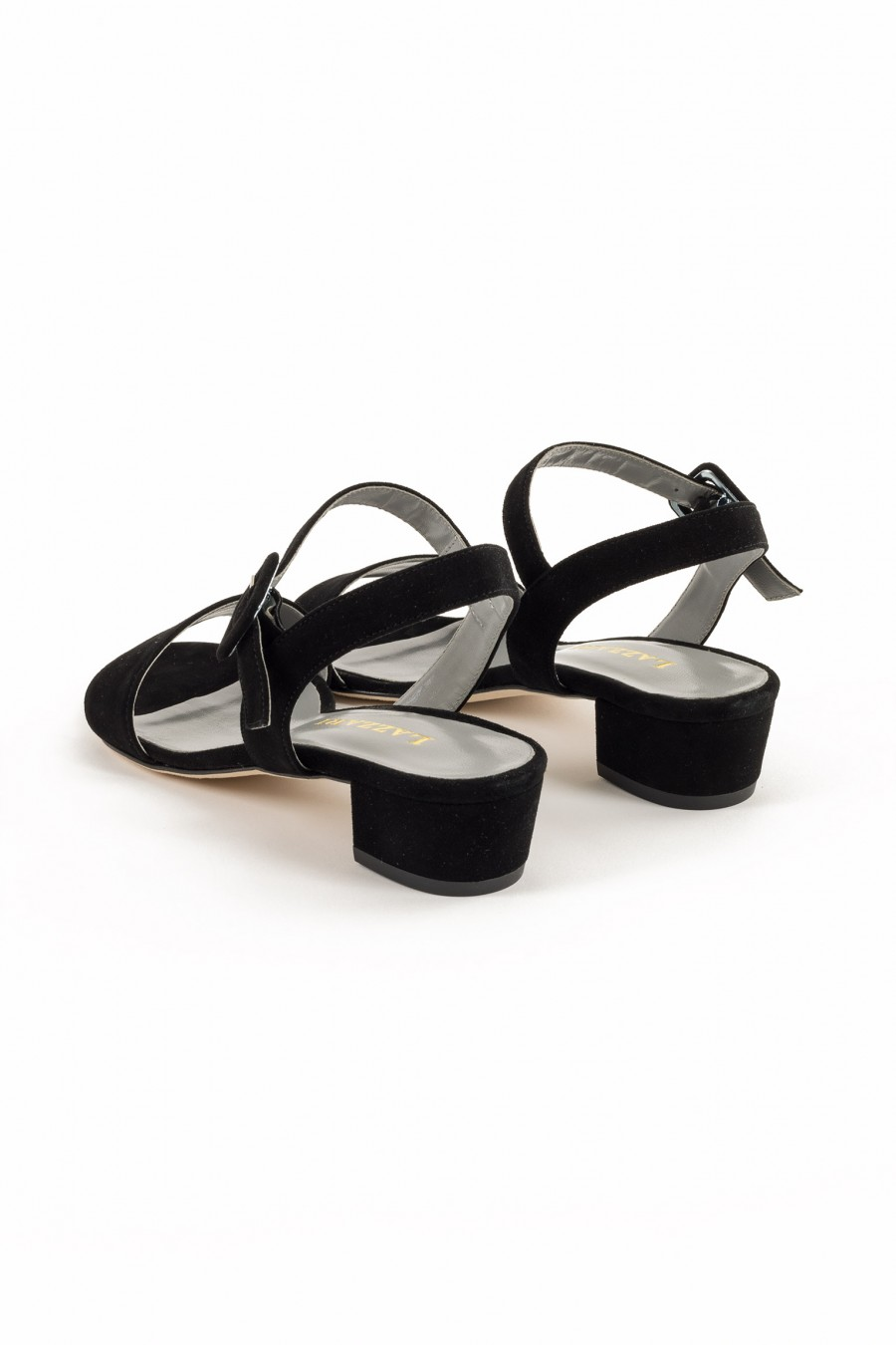 Black sandal with low heel
