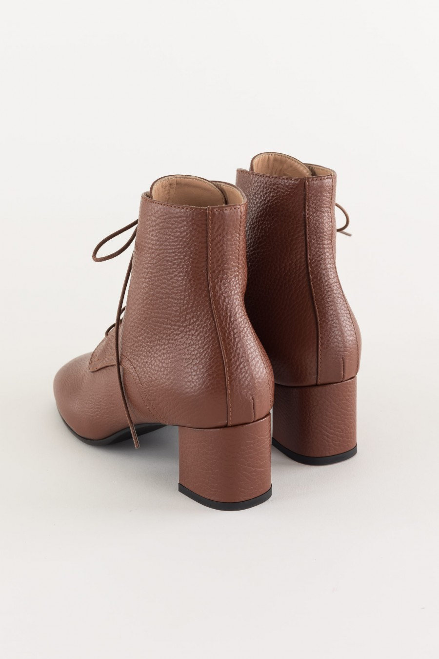 Lace-up ankle boots made in Italy