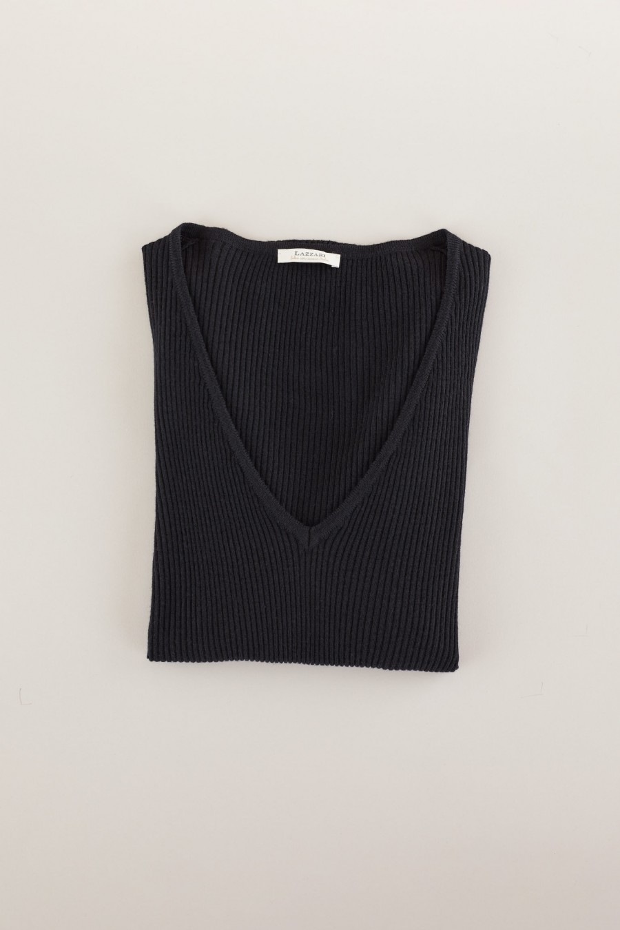 Black thin woolen jumper