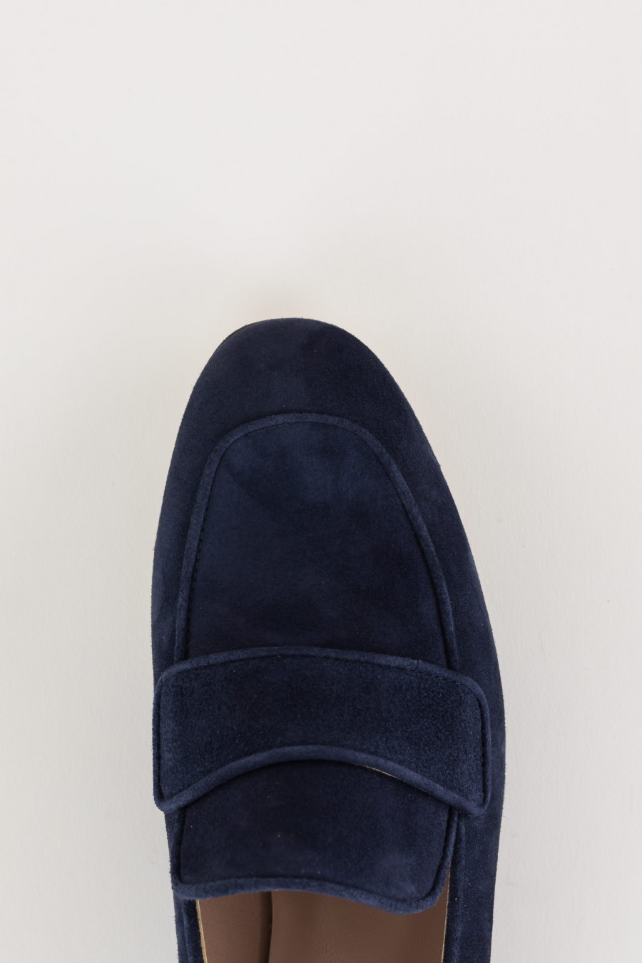 Loafers with detail