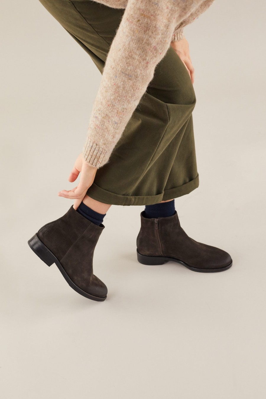 Comfy leather ankle boots