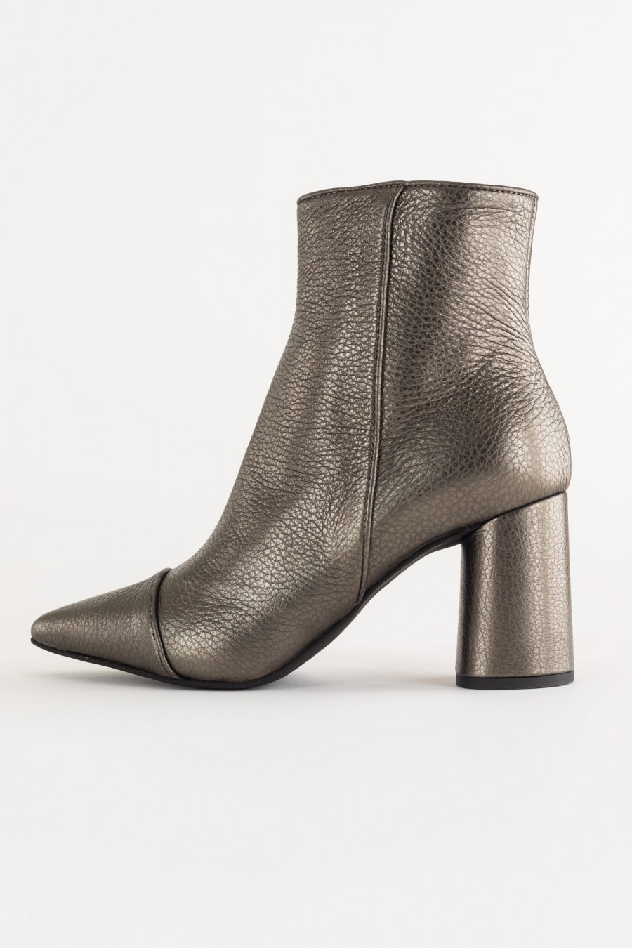 Metallic effet leather boots
