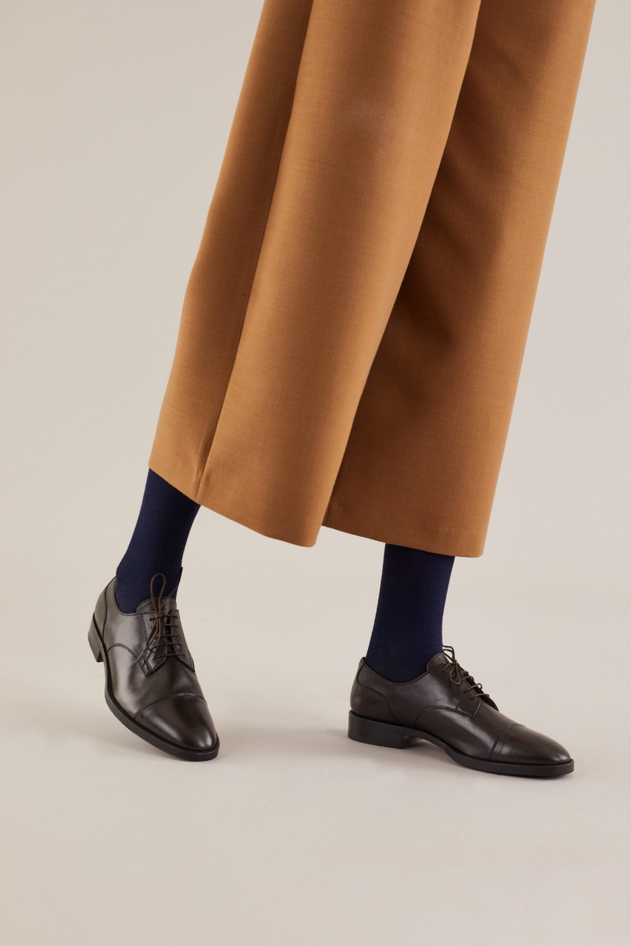 Brown shoes for trousers