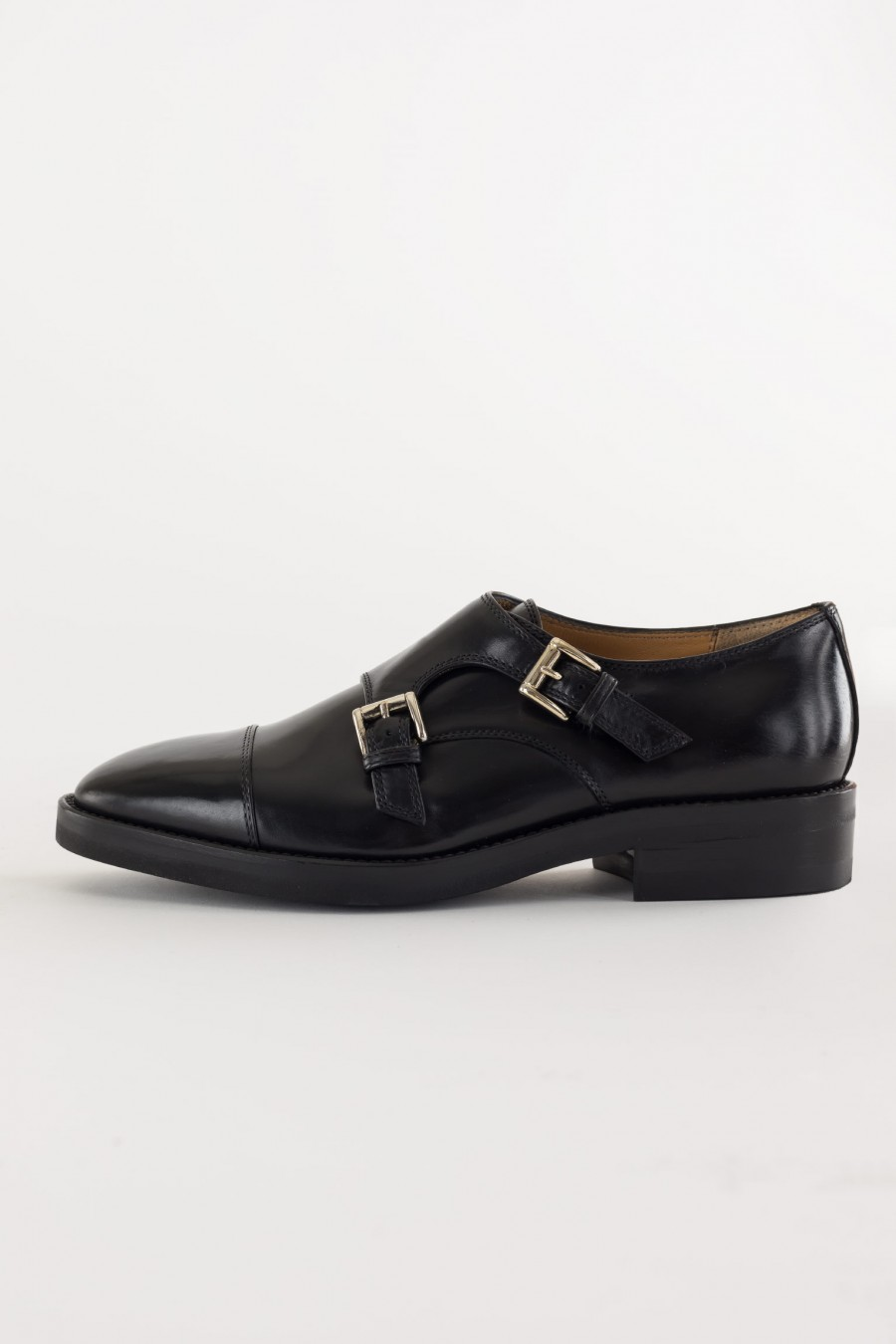 Shoes with buckle details