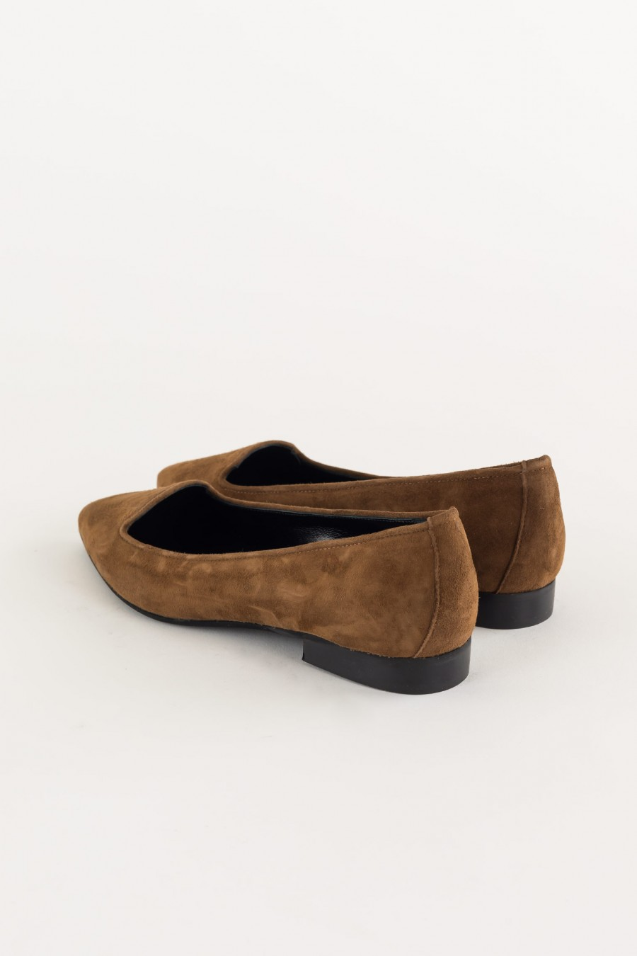 Suede pointed slippers