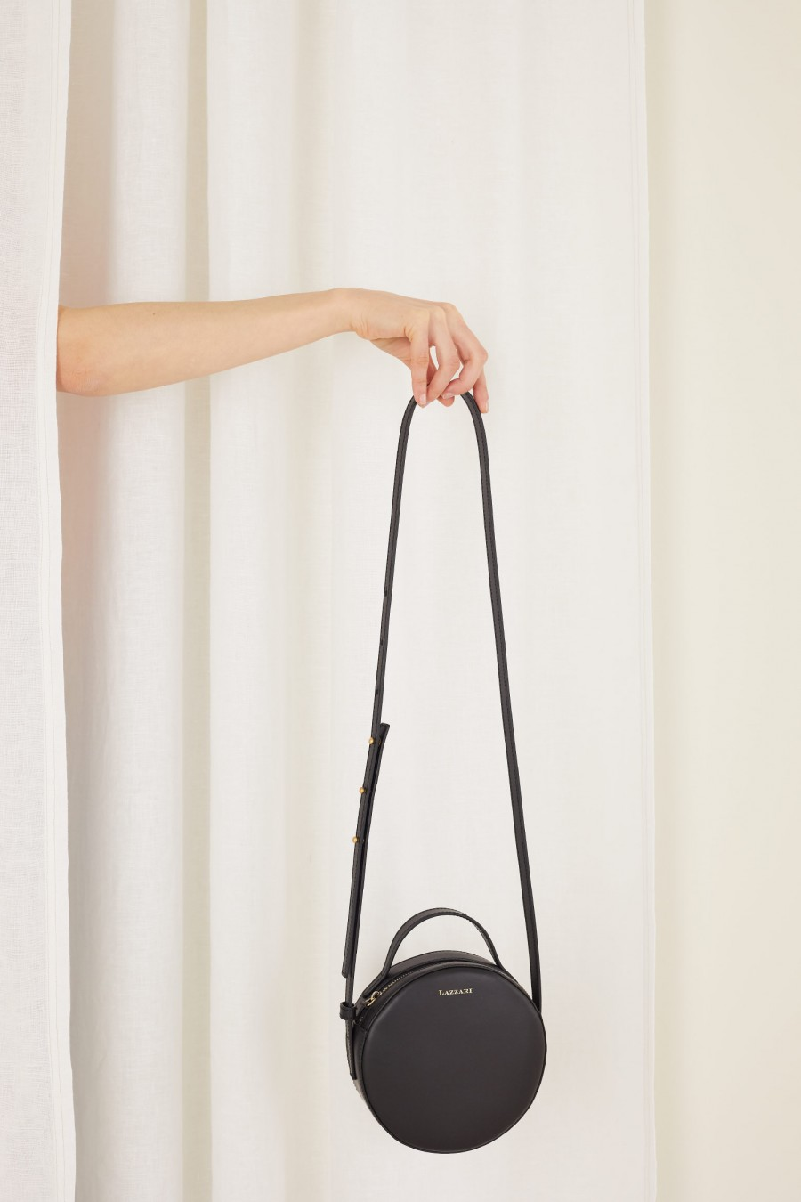 round shoulder bag with handle