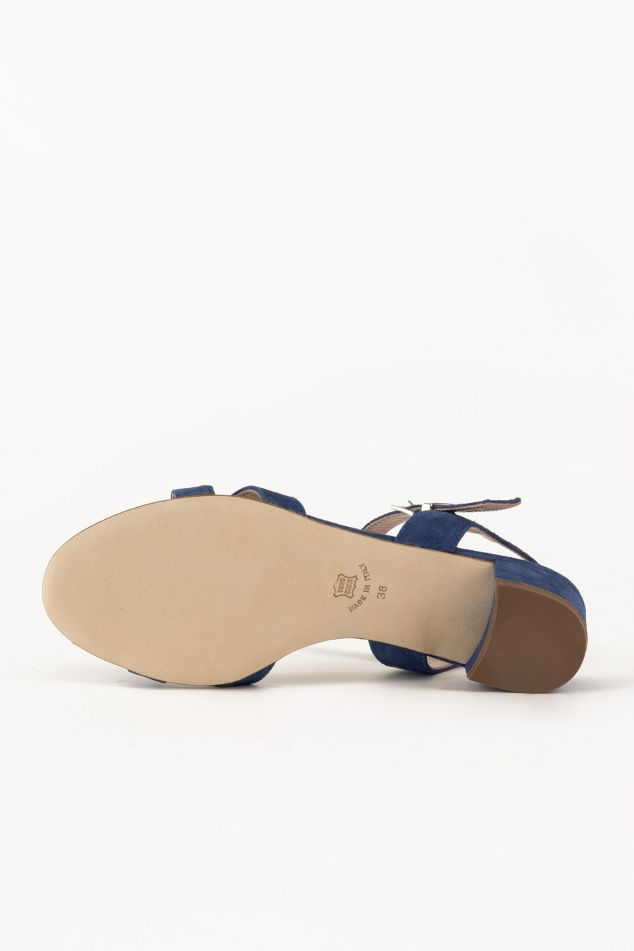 Genuine leather sandals with lists