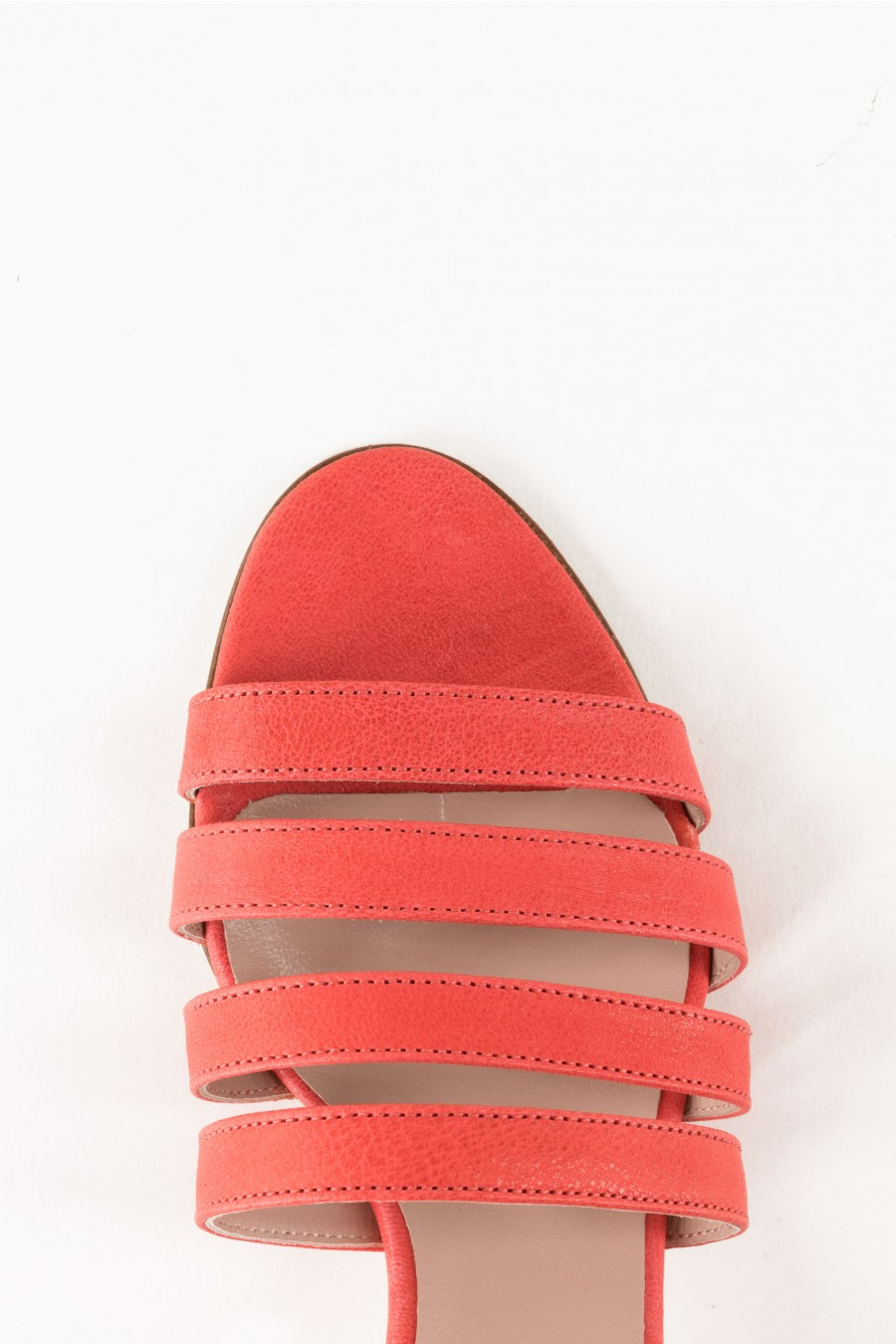 Strawberry sandals with lists