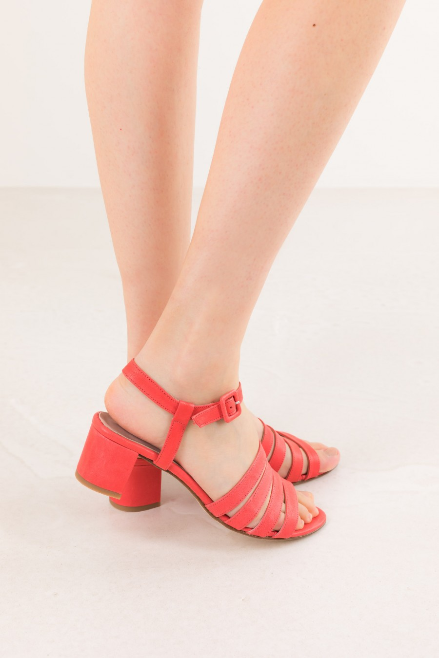 Coral red sandals with lists