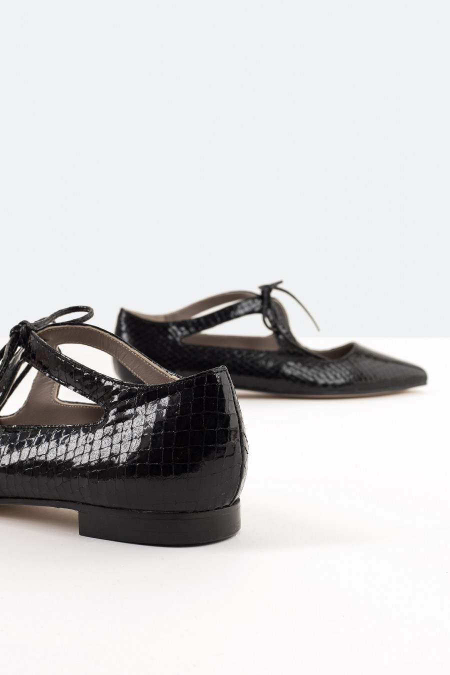 Inlaid patent leather flats