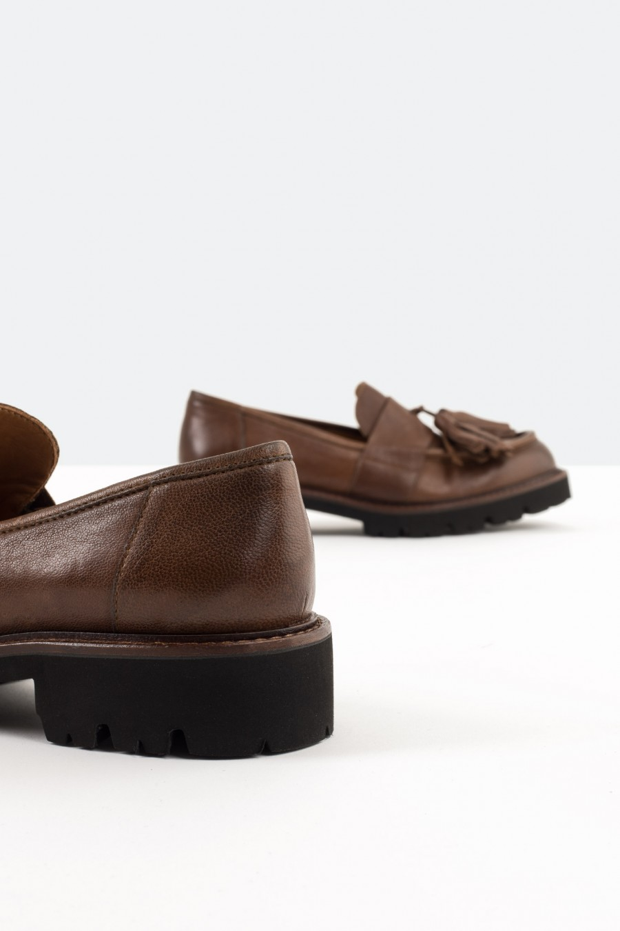 Brown italian leather flats with tassels