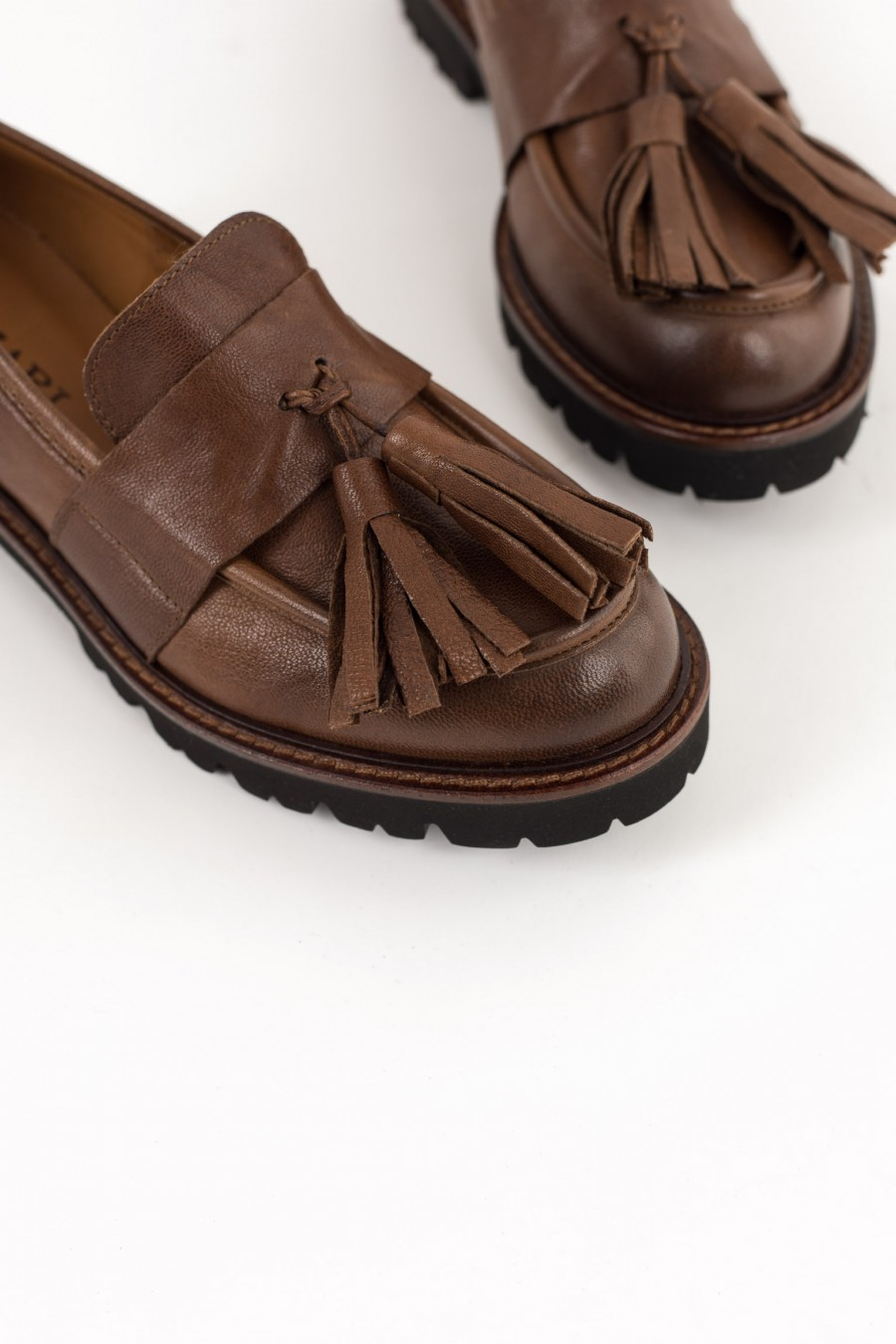 Rounded toe tobacco brown loafers