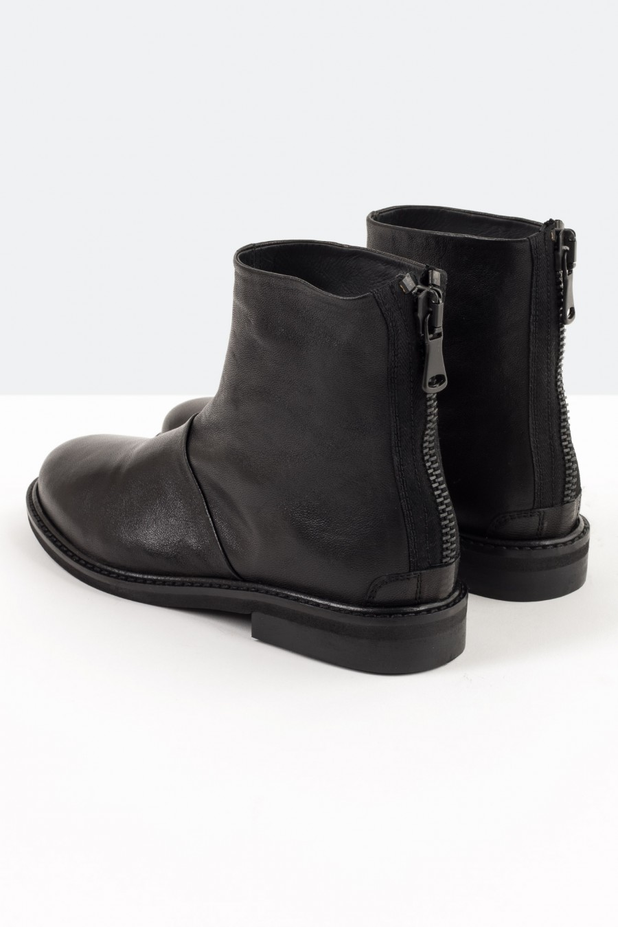 Boots with back zip