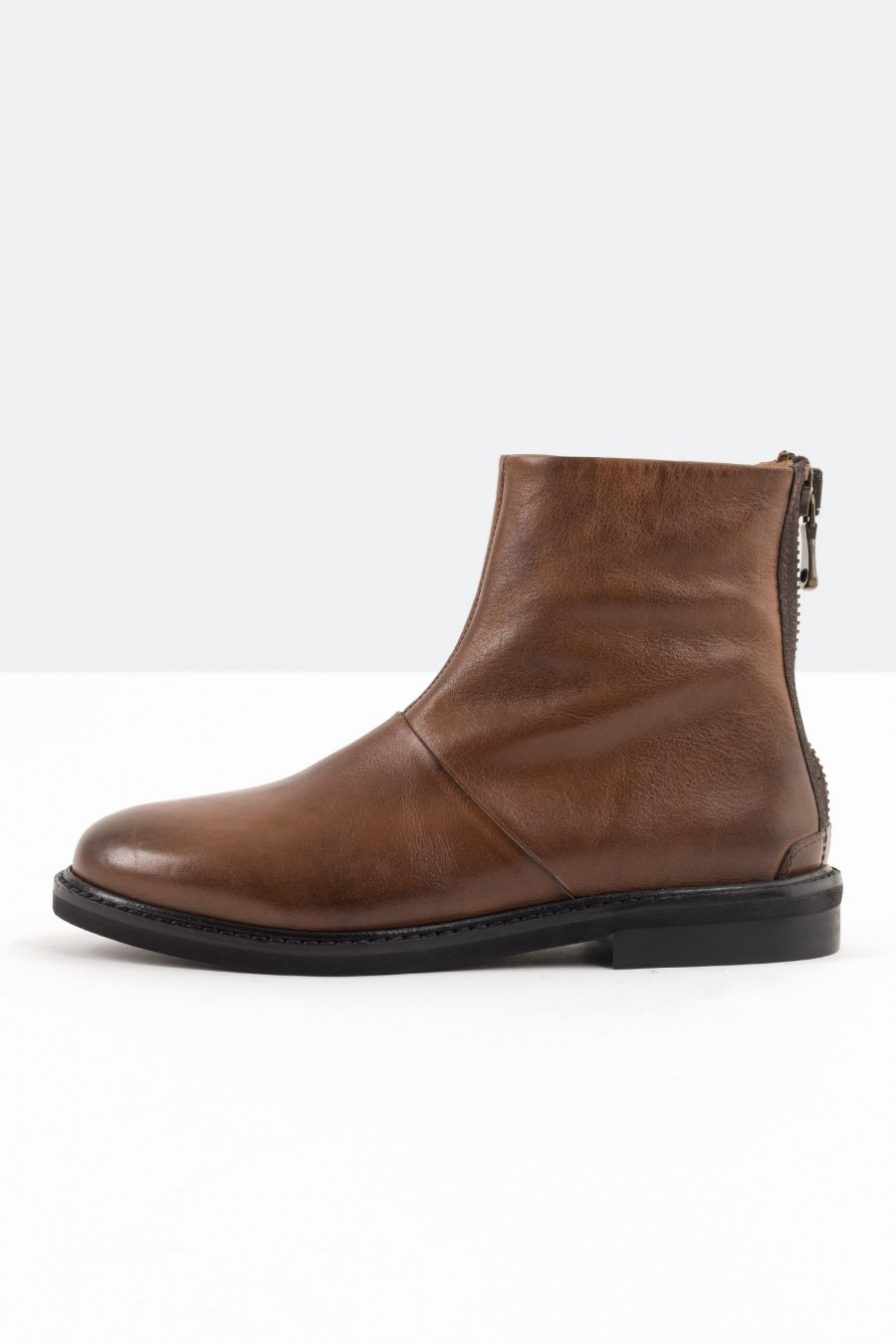 Tobacco brown flat boots