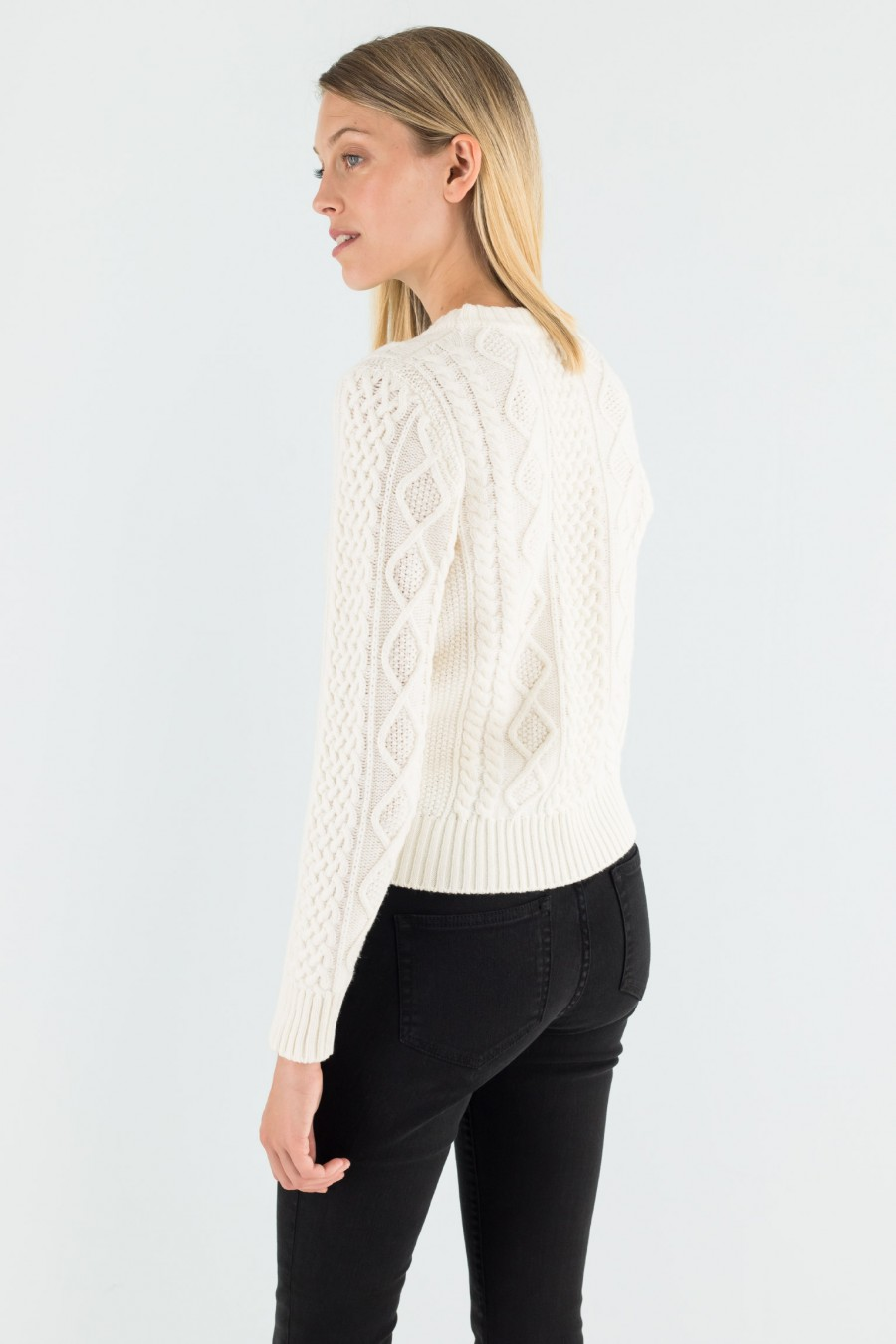 White detailed fisherman jumper