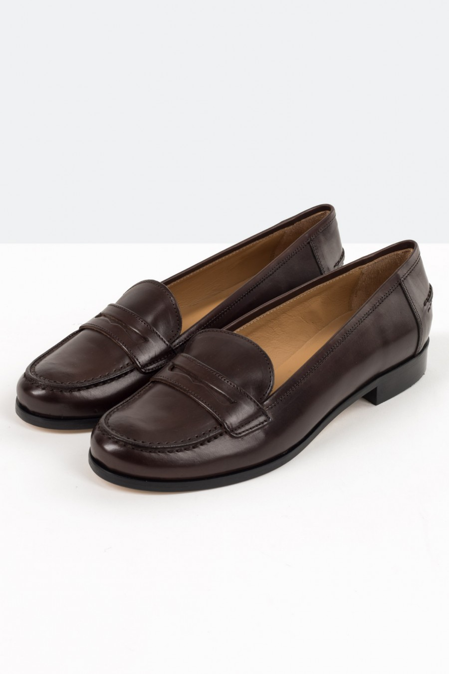 Traditional black leather flats