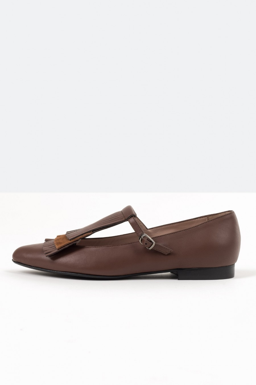 Brown shoes with strap