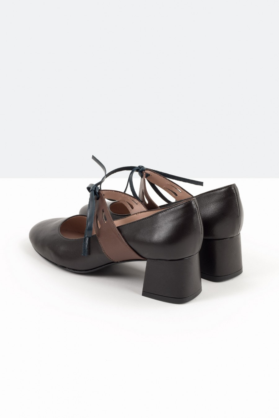 Black bebè shoes with brown leather straps