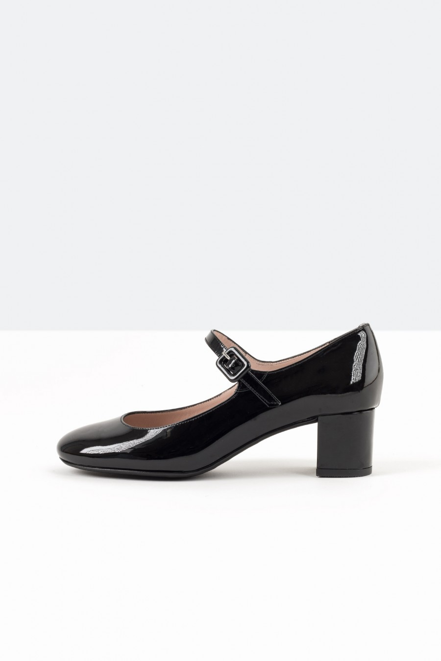 Black patent Mary Jane with straps