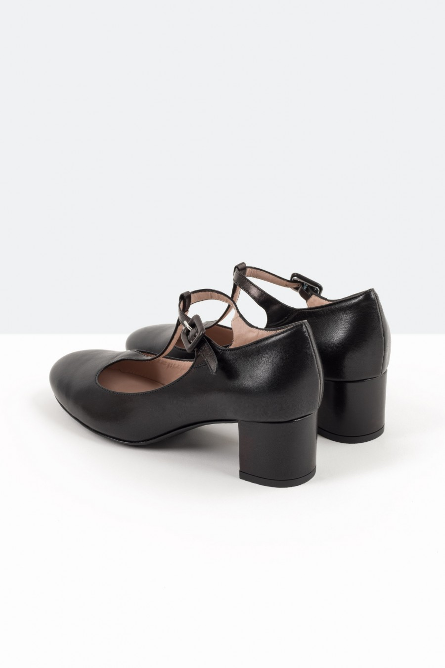 Black bebè shoes with covered buckle