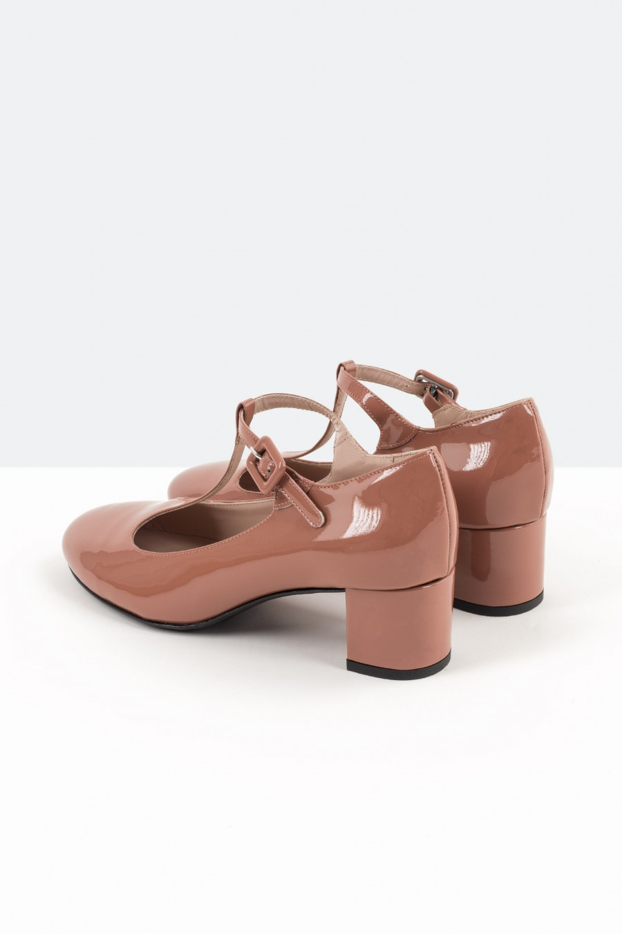 Dusty pink bebè shoes with covered buckle