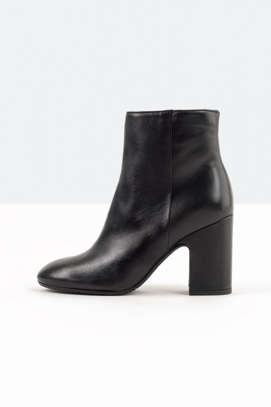 Lazzari black leather ankle boots