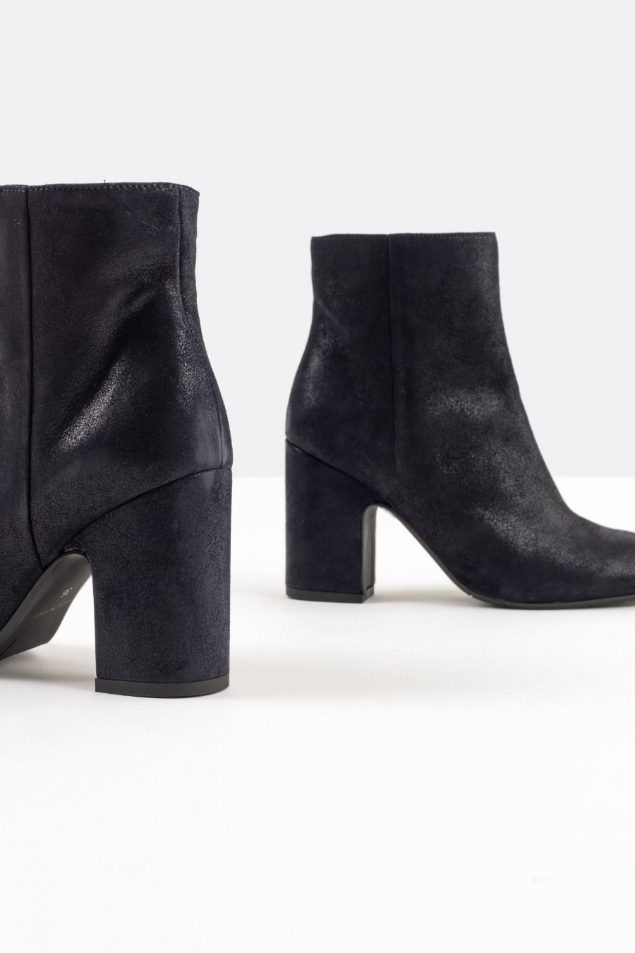 Casuale blue leather ankle boots