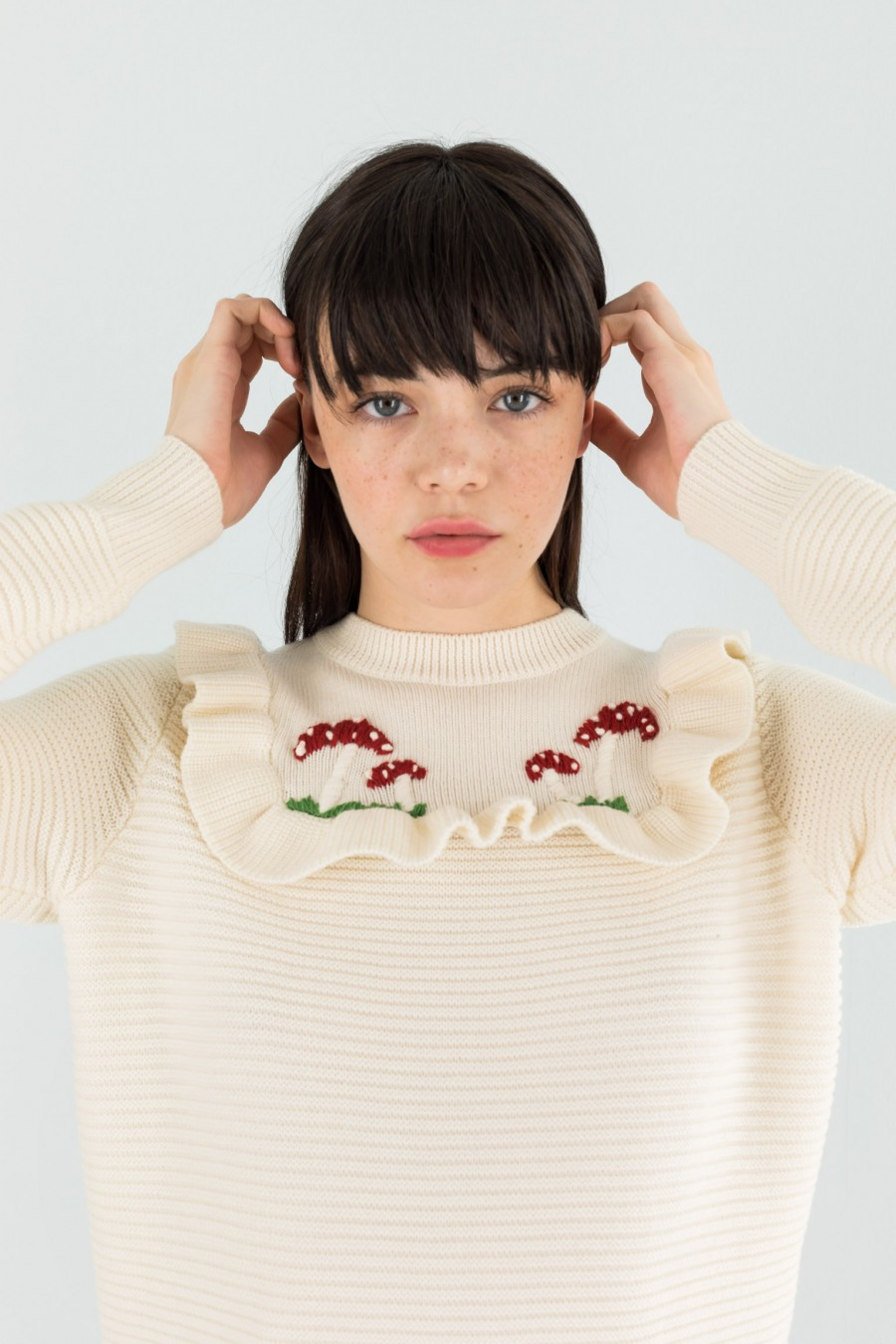 Pullover with embroidered mushrooms