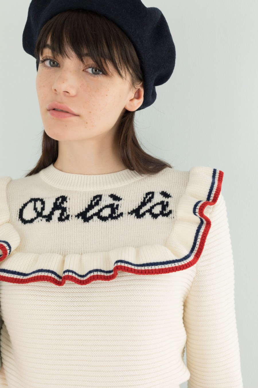 Embroidered woolen pullover